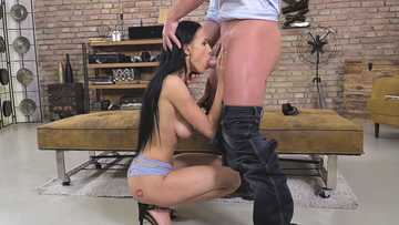 Nicole Love: In A Horny Mood