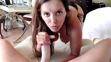 Girl with big gazongas Francesca Le delivers mind blowing blowjob